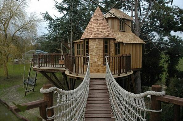 Blueforest-Treehouses-Main-644x428