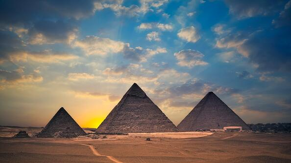clouds_and_pyramids