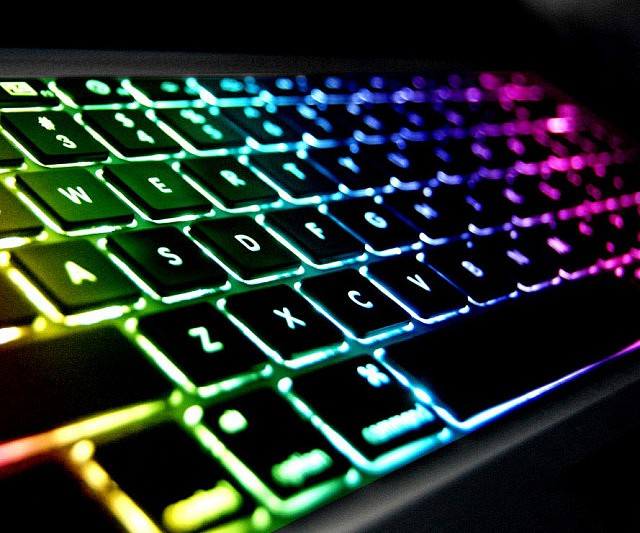 rainbow-backlit-keyboard-640x533