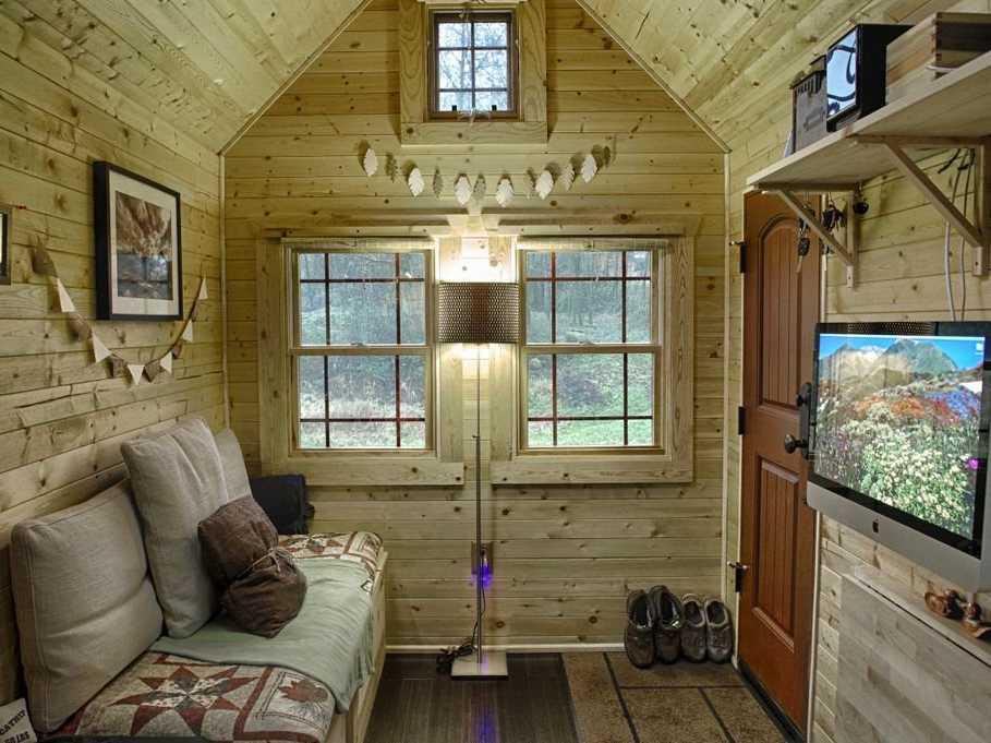 Beautiful rustic home with all the modern requirements.