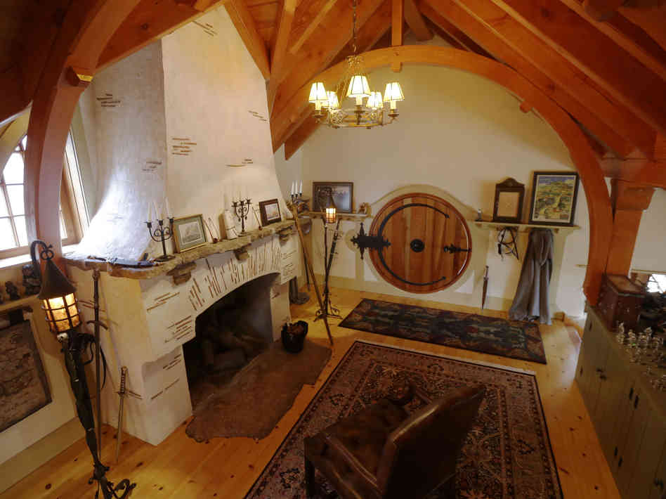 Hobbit house - a home office.