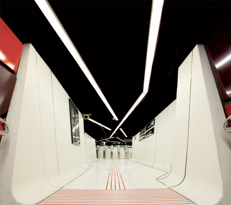 Amazing-Subway-Stations-Drassanes-1