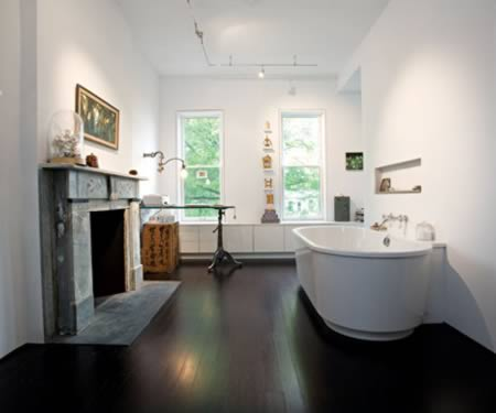 Make a splash in this bathroom office.